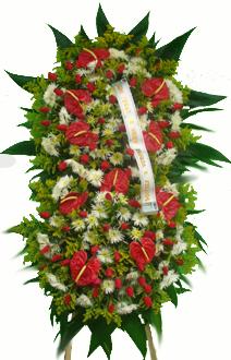 1122 Coroa de Flores com 2 Buquês