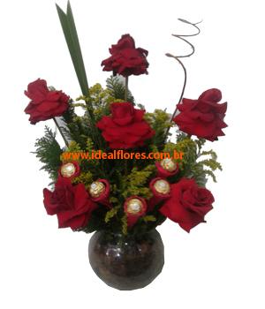 1353 Arranjo de Rosas com Ferrero