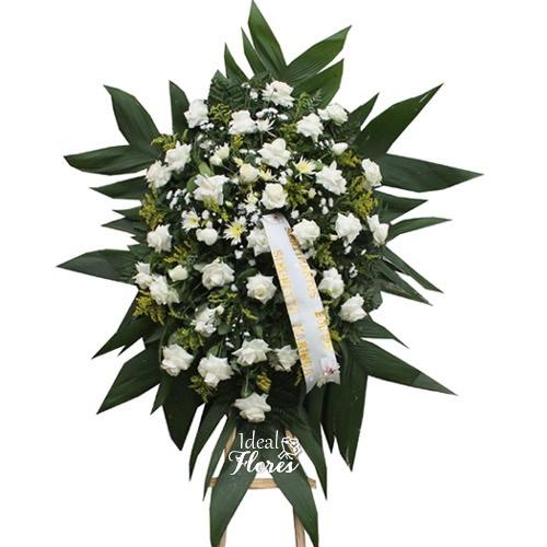 2076 Coroa de Rosas Brancas Dobradas